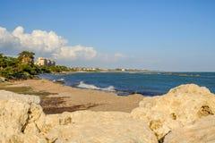 Strandansicht bei Zygi in Zypern Stockfotografie