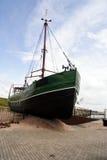 strandat fartyg royaltyfria foton