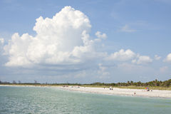 strandbluen clouds sandig skywhite Royaltyfria Foton