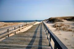 strandboardwalk som övervintrar Royaltyfri Foto