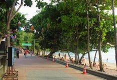 Strandboulevard in Ao Nang, Krabi, Thailand Royalty-vrije Stock Fotografie
