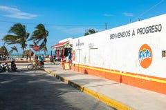 Strandboulevard in Progreso dichtbij Merida, Yucatan, Mexico royalty-vrije stock foto's
