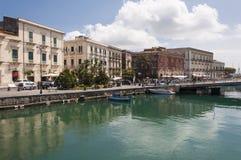 Strandboulevard van Ortigia Stock Foto's