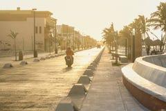 Strandboulevardavond in Progreso dichtbij Merida, Yucatan, Mexico stock afbeeldingen
