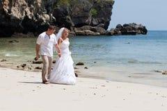 strandbröllopsresa arkivfoton