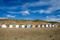 Strandcabines bij paal 9, Texel, Nederland stock fotografie
