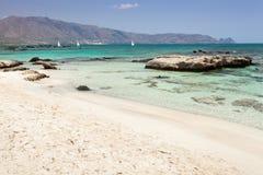strandcrete elafonisi greece Arkivfoton