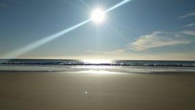 stranddagflicka little seende vatten Arkivfoton