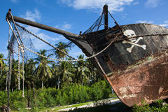 Stranded pirate ship Royalty Free Stock Images