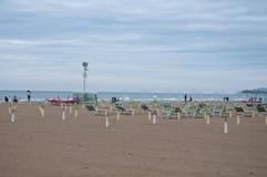 Stranden av rimini på en regnig dag Royaltyfri Bild