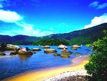 Stranden av stenar Royaltyfri Fotografi
