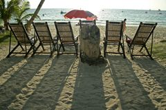 stranden boracay chairs däcket philippines arkivbilder