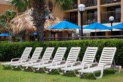stranden chairs däcket Arkivfoto