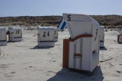 stranden chairs sunen Fotografering för Bildbyråer