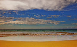 stranden clouds dramatiskt Arkivfoton