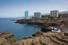 Stranden en hotels van Puerto de la Cruz bij zonsondergang, Tenerife stock afbeeldingen