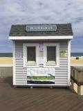 Stranden förser med märke till salu Royaltyfria Foton
