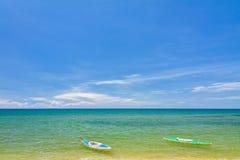 stranden kanotar phuquocsanden Royaltyfri Foto