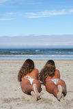 stranden kopplar samman arkivfoton