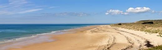 Stranden på carteret, normandy, france Arkivbilder