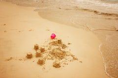 stranden rockerar sanden Royaltyfri Fotografi