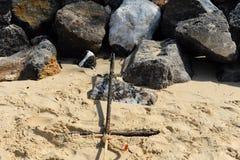 Stranden, rotsen en zand Royalty-vrije Stock Foto