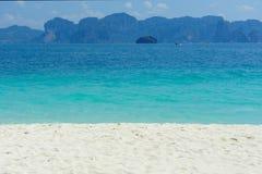 Stranden, rotsen en zand stock fotografie