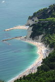 Stranden van Sirolo, Italië stock afbeelding
