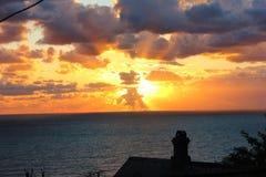 strandexponeringsfeelen ger långsamma slappa waves för solnedgång mycket Arkivbilder