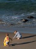 strandfamilj Royaltyfri Bild