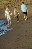 strandfamilj Royaltyfri Foto