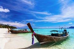 strandfartyg near thai traditionellt Royaltyfri Fotografi