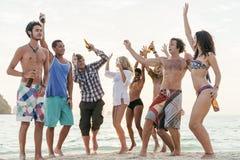 Strandfest-Freiheits-Ferien-Freizeitbetätigungs-Konzept stockfotos
