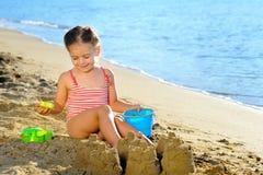 strandflickalitet barn Arkivbild