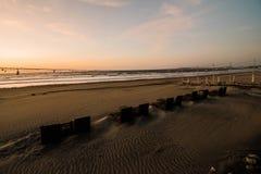 Strandframdel på semesterorten arkivfoton