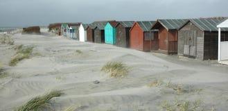 Strandhütte u. Sanddünen stockfoto