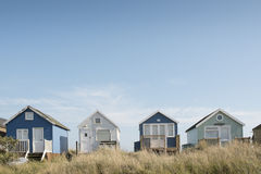 Strandhütten auf Mudeford-Sandbank Lizenzfreie Stockfotografie