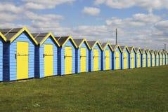 Strandhütten bei Bognor Regis. Großbritannien Stockfotos