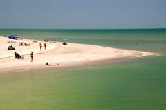 Strandhalvö på sanibelön Arkivfoton