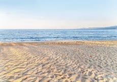 Strandhav med himmelbakgrund Royaltyfria Bilder