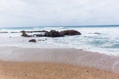 Strandhavet vaggar sandlandskapsand Royaltyfria Bilder