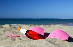 Strandhilfsmittel auf Sand, Cabarete stockfotos