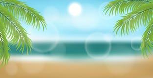 Strandhintergrund mit Palme verlässt und Meer Lizenzfreie Stockbilder