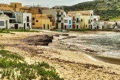 Strandhuizen op Praia-Strand in Favignana, Sicilië royalty-vrije stock afbeeldingen
