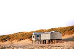 Strandhus (lutandeförskjutningen) Arkivfoton
