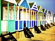 Strandhutten langs de strandboulevard op een koude de winterdag Royalty-vrije Stock Foto's