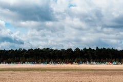 Strandhutten in Norfolk Engeland Stock Afbeeldingen