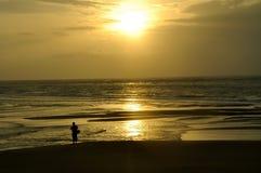 strandKhao Lak solnedgång thailand Arkivfoto