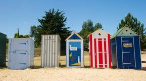 Strandkojor på ön Oleron i Frankrike Fotografering för Bildbyråer