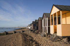 Strandkojor, Thorpe Bay, Essex, England arkivfoton